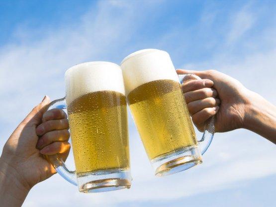 Осенний праздник пива на китайском языке